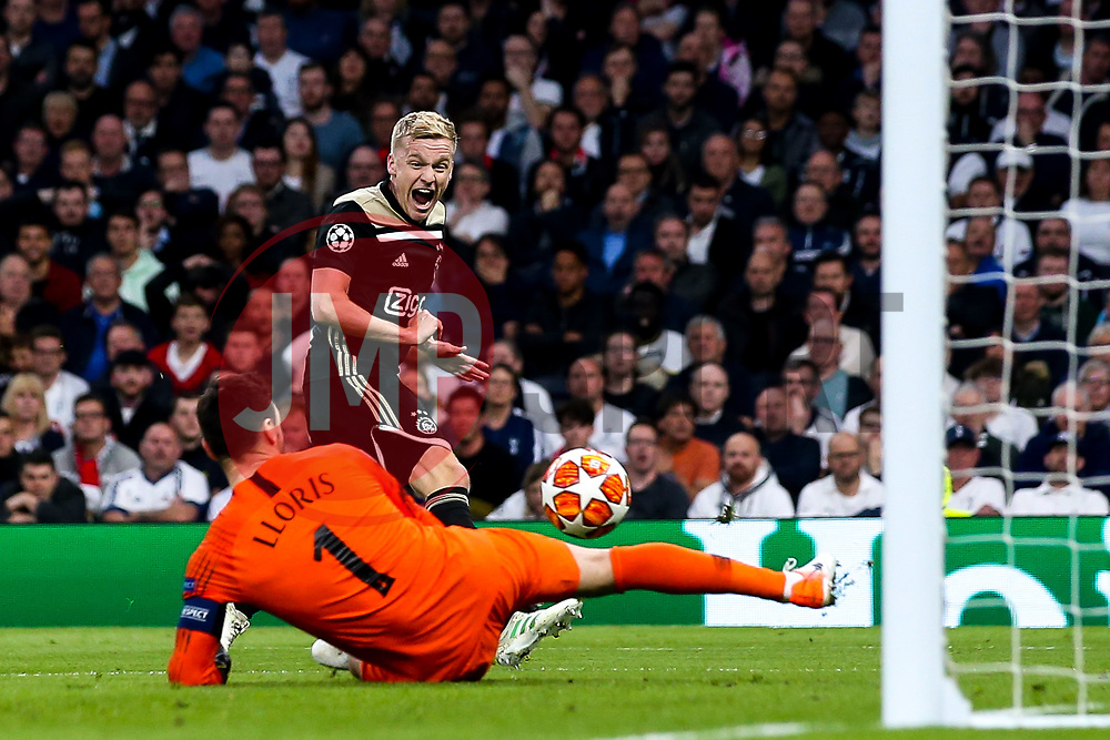 Donny van de Beek of Ajax has a shot saved by Hugo Lloris of Tottenham Hotspur - Mandatory by-line: Robbie Stephenson/JMP - 30/04/2019 - FOOTBALL - Tottenham Hotspur Stadium - London, England - Tottenham Hotspur v Ajax - UEFA Champions League Semi-Final 1st Leg