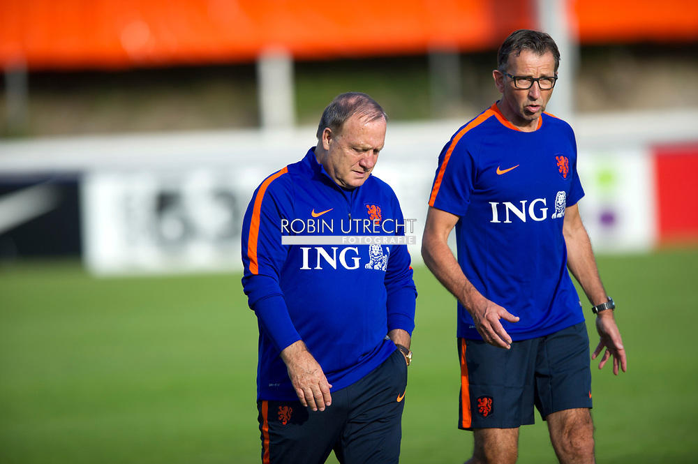 28-08-2017 VOETBAL: TRAINING NEDERLANDS TEAM: KATWIJK<br /> Trainer Dick Advocaat  e  copyright robin utrecht