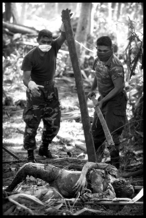 Galle District, Sri Lanka 1 January 2005<br /> A body victim of the tsunami.<br /> Photo: Ezequiel Scagnetti