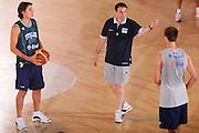 DESCRIZIONE : Bormio Raduno Collegiale Nazionale Maschile Allenamento <br /> GIOCATORE : Marco Mordente Carlo Recalcati <br /> SQUADRA : Nazionale Italia Uomini <br /> EVENTO : Raduno Collegiale Nazionale Maschile <br /> GARA : <br /> DATA : 28/07/2008 <br /> CATEGORIA : Ritratto <br /> SPORT : Pallacanestro <br /> AUTORE : Agenzia Ciamillo-Castoria/S.Silvestri <br /> Galleria : Fip Nazionali 2008 <br /> Fotonotizia : Bormio Raduno Collegiale Nazionale Maschile Allenamento <br /> Predefinita :