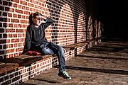 Markus har allergi og skal g&aring; rundt med en spr&oslash;jte han skal banke i l&aring;ret, hvis han oplever vejrtr&aelig;kningsbesv&aelig;r, hvorefter han skal ringe 112.<br /> Fotograferet p&aring; den skole i Haderslev, hvor han g&aring;r i 4. klasse
