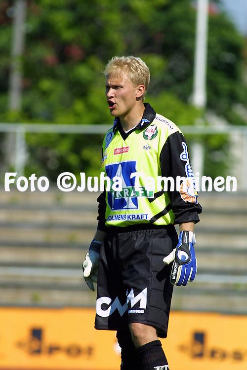 07.07.2001 Pori, Finland. I divisioona, pohjoislohko, Musan Salama v FF Jaro. Antti Kuismala (Jaro)..©JUHA TAMMINEN