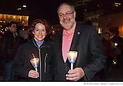 """M. Pierre Arcand, ministre du Développement durable, de lEnvironnement et des Parcs aux côtés de Marie-Claude Lemieux, Directrice pour le Québec WWF-Canada, lors du rassemblement """"Une heure pour la Terre!"""", 5e anniversaire. Eteignez vos lumières pour affirmer votre appui à la lutte contre le réchauffement climatique. WWF-Canada /  Esplanade de la place des Arts / Montreal / Canada / 2012-03-31, © Photo Marc Gibert / adecom.ca"""