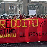 Movimenti per il diritto all'abitare contro il Governo Renzi