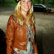 NLD/Vierhouten/20050530 - Society vrouwen rijden de BeauMonde Rally 2005, Estelle Gullit - Cruyff