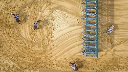 Yanca com a condução de C.Farias vence o páreo de 1.600m para potrancas de 3 anos.  FOTO: Jefferson Bernardes/ Agência Preview
