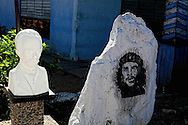 Translucent Marti and Che in San Luis, Pinar del Rio, Cuba.