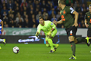 Everton's goalkeeper Joel Robles rolls out the ball during the Capital One Cup match between Reading and Everton at the Madejski Stadium, Reading, England on 22 September 2015. Photo by Mark Davies.