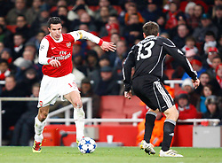 08.12.2010, Emirates Stdium, London, ENG, UEFA CL, FC Arsenal vs Partizan Belgrade, im Bild Robin van Persie