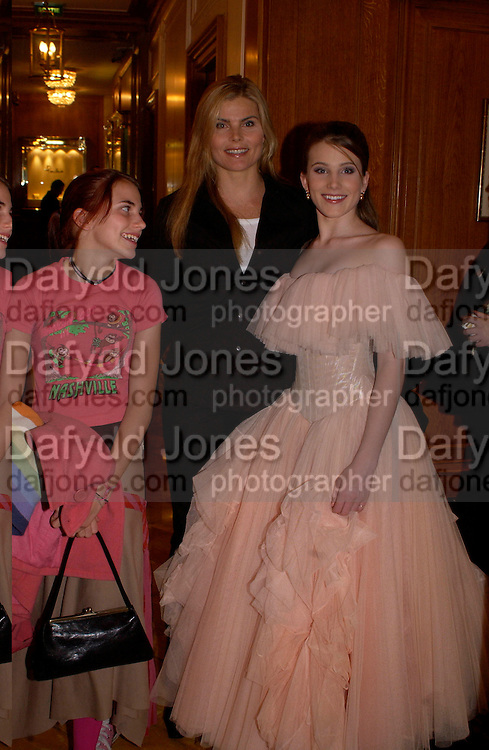 Mariel Hemingway, Dree Crisman and Langley Crisman, Getting ready before the  Thirteenth Annual Crillon Haute Couture Ball. Paris,  29 November 2003. © Copyright Photograph by Dafydd Jones 66 Stockwell Park Rd. London SW9 0DA Tel 020 7733 0108 www.dafjones.com