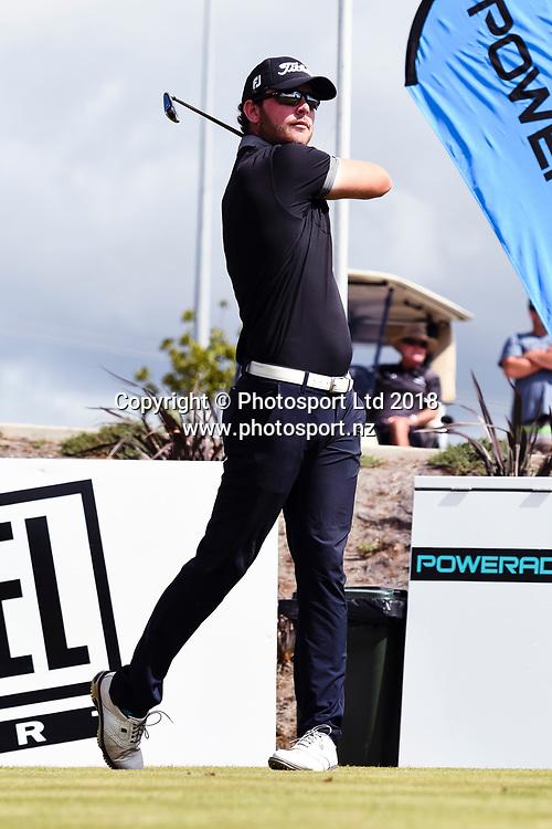 Nick Coxon (NZL) tees off on the 1st hole.<br /> NZ Rebel Sports Masters, Wainui Golf Club, Wainui, Auckland, New Zealand. 14 January 2018. &copy; Copyright Image: Marc Shannon / www.photosport.nz.