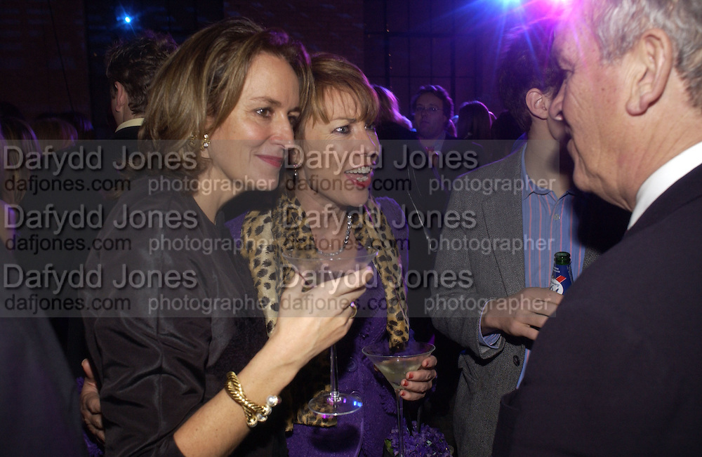 Caroline Michel and Kathy Lette, The Almeida Theatre Charity Christmas Gala, to raise funds for the theatre, at the Victoria Miro Gallery, London.  1 December  2005. ONE TIME USE ONLY - DO NOT ARCHIVE  © Copyright Photograph by Dafydd Jones 66 Stockwell Park Rd. London SW9 0DA Tel 020 7733 0108 www.dafjones.com