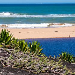 """Praia e Lagoa de Caraís (Parque Estadual Paulo Cesar Vinha) fotografado em Guarapari, Espírito Santo -  Sudeste do Brasil. Bioma Mata Atlântica. Registro feito em 2008.<br /> <br /> <br /> <br /> ENGLISH: <br /> Beach and Lagoa of Caraís<br />  photographed in Guarapari, Espírito Santo - Southeast of Brazil. Atlantic Forest Biome. Picture made in 2008."""