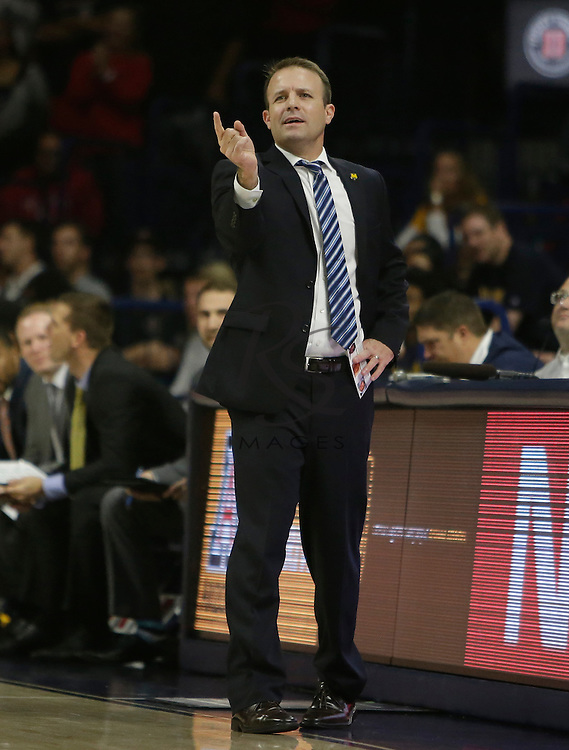Northern Colorado head coach Jeff Linder during the first half of an NCAA college basketball game against Arizona, Monday, Nov. 21, 2016, in Tucson, Ariz. (AP Photo/Rick Scuteri)