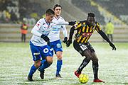 G&Ouml;TEBORG - 2018-02-18: Alhassan Kamara i BK H&auml;cken dribblar och Johan Andersson i IFK V&auml;rnamo f&ouml;rsvarar under matchen i Svenska Cupen, grupp 4, mellan BK H&auml;cken och IFK V&auml;rnamo den 18 februari 2018 p&aring; Bravida Arena i G&ouml;teborg, Sverige.<br /> Foto: Anders Ylander/Ombrello<br /> ***BETALBILD***