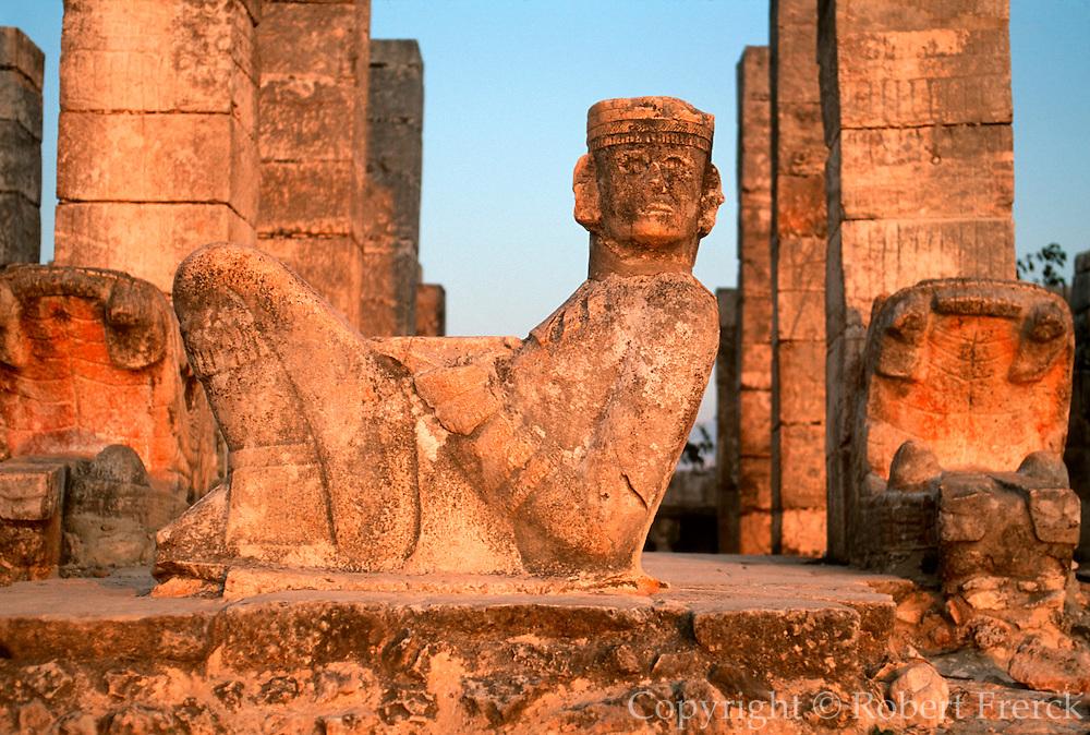 MEXICO, MAYAN, YUCATAN Chichén Itzá; chac mool Temple of Warriors