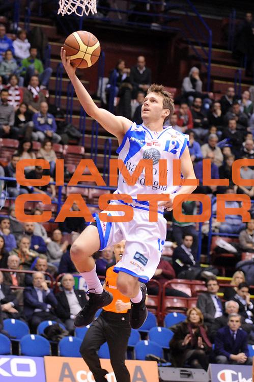 DESCRIZIONE : Milano Coppa Italia Final Eight 2013 Quarti di Finale Banco di Sardegna Sassari Enel Brindisi<br /> GIOCATORE : Travis Diener<br /> CATEGORIA : Penetrazione<br /> SQUADRA : Banco di Sardegna Sassari<br /> EVENTO : Beko Coppa Italia Final Eight 2013<br /> GARA : Banco di Sardegna Sassari Enel Brindisi<br /> DATA : 08/02/2013<br /> SPORT : Pallacanestro<br /> AUTORE : Agenzia Ciamillo-Castoria/Max.Ceretti<br /> Galleria : Lega Basket Final Eight Coppa Italia 2013<br /> Fotonotizia : Milano Coppa Italia Final Eight 2013 Quarti di Finale Banco di Sardegna Sassari Enel Brindisi<br /> Predefinita :