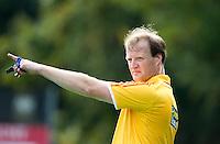 BILTHOVEN - Scheidsrechter Danny Schippers van SCHC , zondag tijdens de hoofdklasse competitiewedstrijd tussen de vrouwen van SCHC en MOP (5-0). COPYRIGHT KOEN SUYK