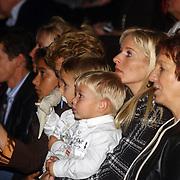 CD presentatie Frans Bauer, vrouw Mariska Rossenberg en kinderen
