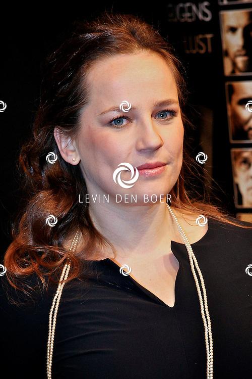 AMSTERDAM - Lies Visschedijk op de premiere van de film Loft dinsdag in Amsterdam. De film is vanaf 16 december in de Nederlandse bioscopen te zien. FOTO LEVIN DEN BOER - PERSFOTO.NU