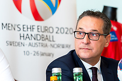 09.01.2018, Haus des Sports, Wien, AUT, EHF Euro 2018, Herren, Pressekonferenz Österreich, im Bild Vizekanzler und Bundesminister für öffentlichen Dienst und Sport Heinz-Christian Strache (FPOe) // during an Austrian Press Conference in front of the EHF 2018 European Men' s Handball Championship in Croatia at the Haus des Sports, Vienna, Austria on 2018/01/09. EXPA Pictures © 2018, PhotoCredit: EXPA/ Sebastian Pucher