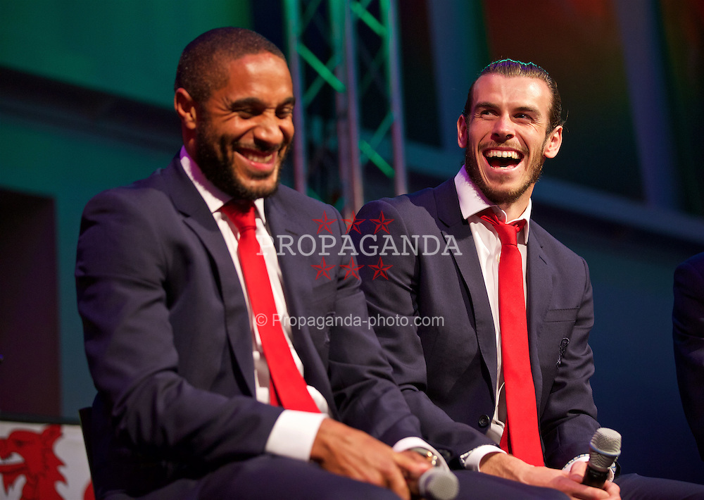 CARDIFF, WALES - Wednesday, June 1, 2016: Wales' captain Ashley Williams and Gareth Bale during a Q&A at a charity send-off gala dinner at the Vale Resort Hotel ahead of the UEFA Euro 2016. (Pic by David Rawcliffe/Propaganda)