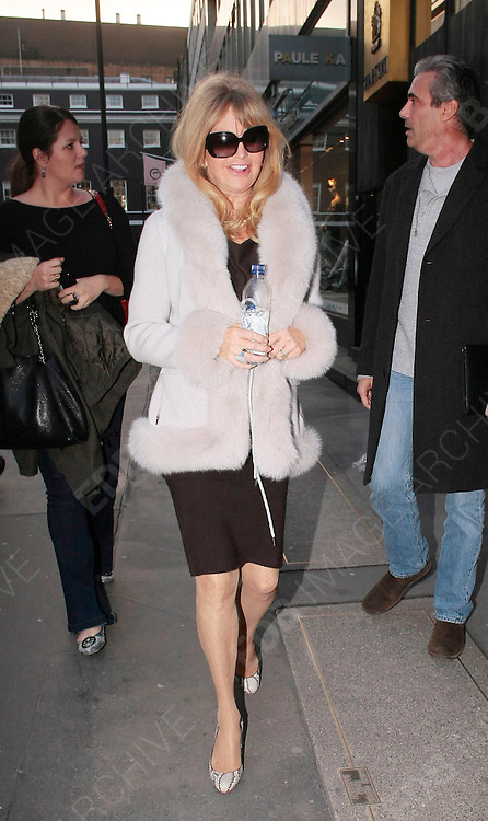 08.MARCH.2012. LONDON<br /> <br /> GOLDIE HAWN SHOPPING AT FABERGE IN BOND STREET, LONDON<br /> <br /> BYLINE: EDBIMAGEARCHIVE.COM<br /> <br /> *THIS IMAGE IS STRICTLY FOR UK NEWSPAPERS AND MAGAZINES ONLY*<br /> *FOR WORLD WIDE SALES AND WEB USE PLEASE CONTACT EDBIMAGEARCHIVE - 0208 954 5968*