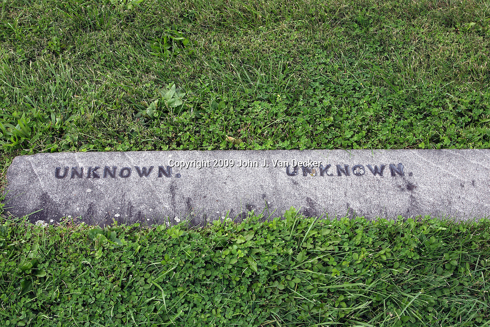Markers for unknown Civil War soldiers in Gettysburg National Cemetery