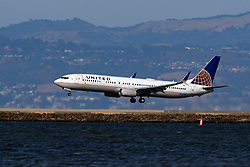 Boeing 737-924(ER) (N36476) operated by United Airlines landing at San Francisco International Airport (KSFO), San Francisco, California, United States of America