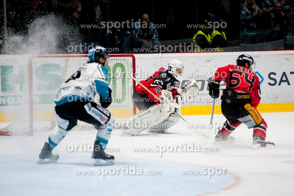 22.03.2016, Ice Rink, Znojmo, CZE, EBEL, HC Orli Znojmo vs EHC Liwest Black Wings Linz, Halbfinale, 5. Spiel, im Bild v.l. Daniel Oberkofler (Linz), Jan Lukas (HC Orli Znojmo), Ondrej Sedivy (HC Orli Znojmo) // during the Erste Bank Icehockey League 5th semifinal match between HC Orli Znojmo and EHC Liwest Black Wings Linz at the Ice Rink in Znojmo, Czech Republic on 2016/03/22. EXPA Pictures © 2016, PhotoCredit: EXPA/ Rostislav Pfeffer