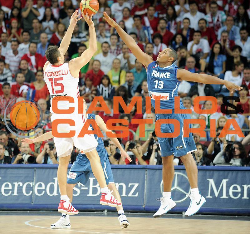 DESCRIZIONE : Championnat Du Monde 2010 Turquie Istanbul  1/8 Finale<br /> GIOCATORE : Turkoglu Hidayet<br /> SQUADRA : Turquie<br /> EVENTO : Championnat du monde 2010<br /> GARA : France Turquie<br /> DATA : 5/09/2010<br /> CATEGORIA : Basketball Action Homme<br /> SPORT : Basketball<br /> AUTORE : JF Molliere FFBB par Agenzia Ciamillo-Castoria <br /> Galleria : France Basket Championnat du monde 2010<br /> Fotonotizia : Championnat du monde Turquie Istambul Jour 9<br /> Predefinita :