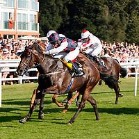 Commandingpresence and Ian Burns winning the 5.30 race
