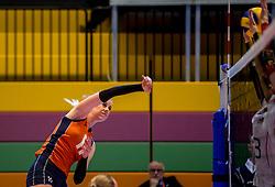 04-04-2017 NED:  CEV U18 Europees Kampioenschap vrouwen dag 3, Arnhem<br /> Duitsland - Nederland 3-1 / Nederland verliest kansloos van Duitsland met 3-1 - Lisa Nobel #11