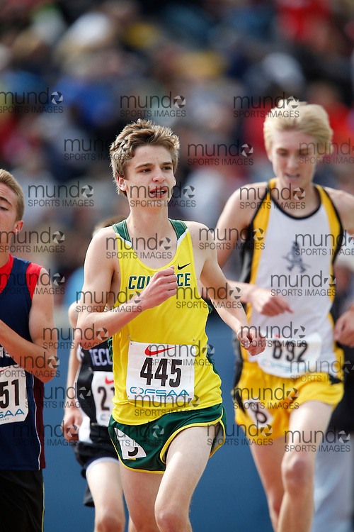 Josh Martin of Courtice SS - Courtice competes in the midget boys 3000m at the 2013 OFSAA Track and Field Championship in Oshawa Ontario, Saturday, June 8, 2013.<br /> Mundo Sport Images/ Geoff Robins