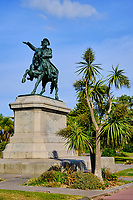 France, Manche (50), Cherbourg-Octeville, place Napoléon, statue équestre de Napoléon // France, Normandy, Manche department, Cherbourg-Octeville, Napoléon square, Napoléon statue