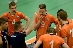 29-12-2014 NED: Eurosped Volleybal Experience Nederland - Belgie -19, Almelo<br /> Nederland verliest met 3-2 van Belgie / Ruben Penninga, Ivar de Waard