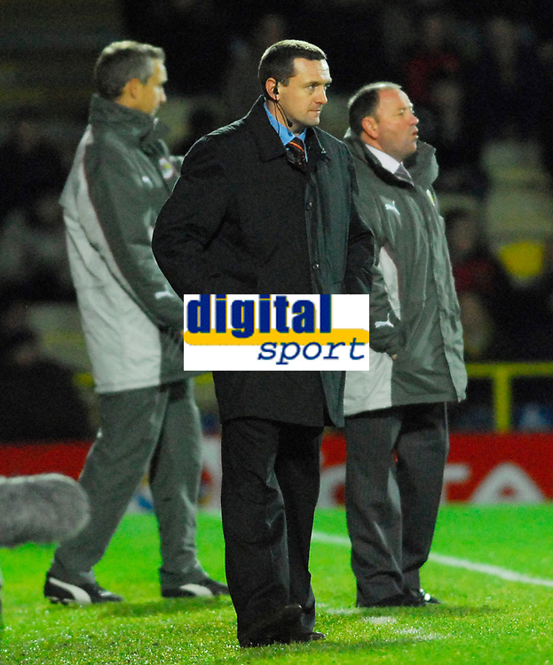 Photo: Leigh Quinnell/Sportsbeat Images.<br /> Watford v Bristol City. Coca Cola Championship. 01/12/2007. Watford boss Aidy Boothroyd unhappy after his team were beaten by a late Bristol City goal.