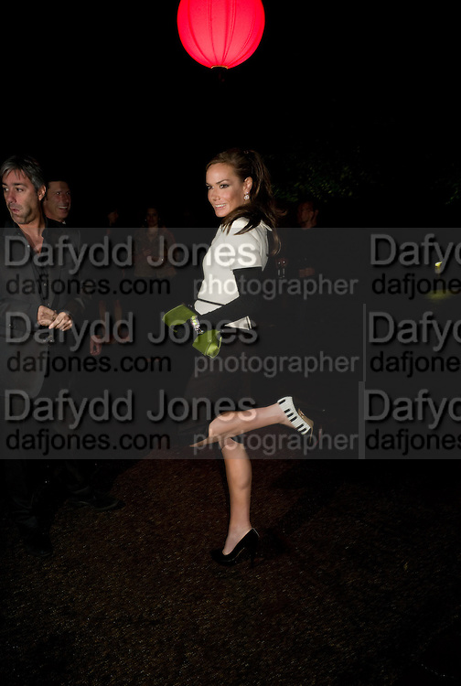 TARA PALMER-TOMPKINSON, The Summer Party. Hosted by the Serpentine Gallery and CCC Moscow. Serpentine Gallery Pavilion designed by Frank Gehry. Kensington Gdns. London. 9 September 2008.  *** Local Caption *** -DO NOT ARCHIVE-© Copyright Photograph by Dafydd Jones. 248 Clapham Rd. London SW9 0PZ. Tel 0207 820 0771. www.dafjones.com.