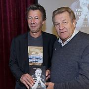 NLD/Ridderkerk/20181021 - oekpresentatie 'Voetbal stelt niets voor' van Jan Boskamp, Jan en schrijver Geert Vermeir