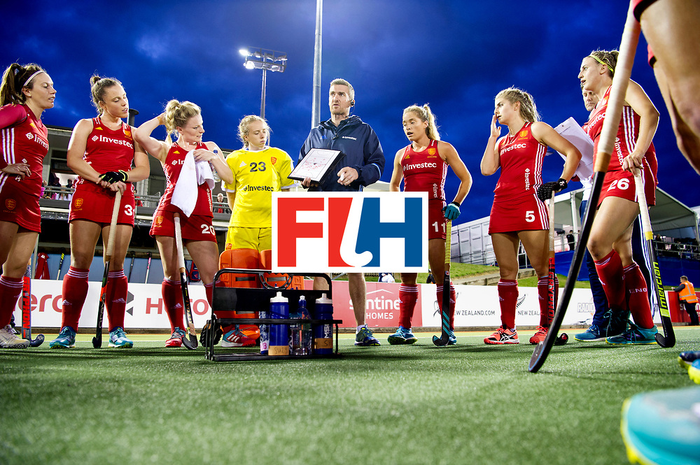 AUCKLAND - Sentinel Hockey World League final women<br /> Match id: 10310<br /> 20 ENG v NZL (Semi Final) 0-1<br /> New Zealand play the final<br /> Foto: David RALPH coaching.<br /> WORLDSPORTPICS COPYRIGHT FRANK UIJLENBROEK
