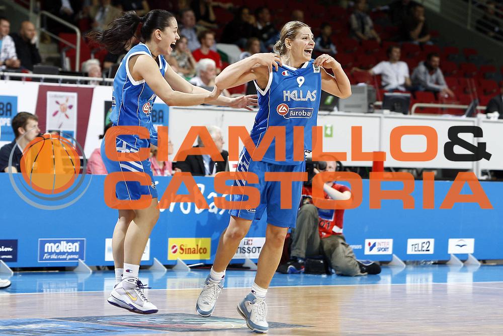 DESCRIZIONE : Riga Latvia Lettonia Eurobasket Women 2009 final 5th-6th Place Italia Grecia Italy Greece<br /> GIOCATORE : Evanthia Maltsi<br /> SQUADRA : Grecia Greece<br /> EVENTO : Eurobasket Women 2009 Campionati Europei Donne 2009 <br /> GARA : Italia Grecia Italy Greece<br /> DATA : 20/06/2009 <br /> CATEGORIA : esultanza<br /> SPORT : Pallacanestro <br /> AUTORE : Agenzia Ciamillo-Castoria/E.Castoria<br /> Galleria : Eurobasket Women 2009 <br /> Fotonotizia : Riga Latvia Lettonia Eurobasket Women 2009 final 5th-6th Place Italia Grecia Italy Greece<br /> Predefinita :
