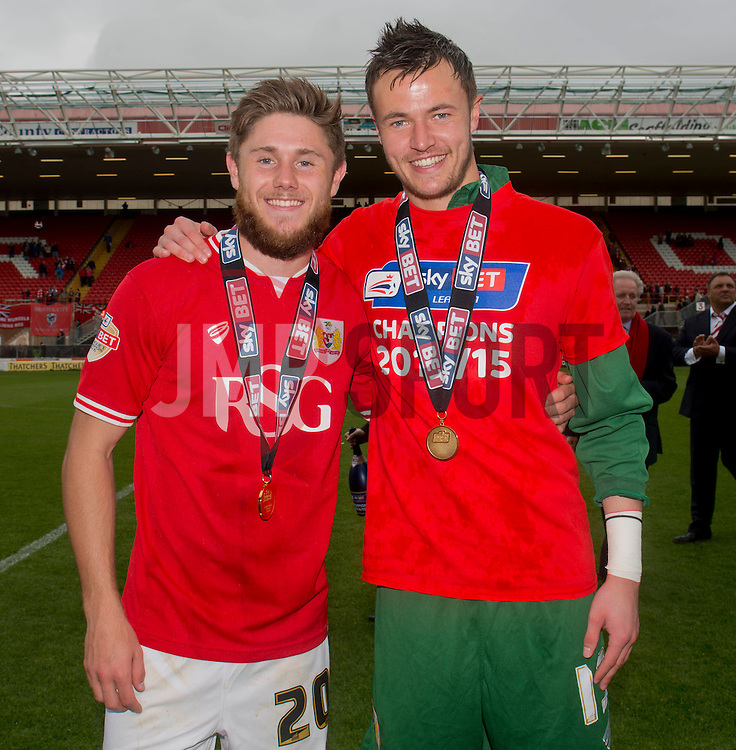 Bristol City's Wes Burns and Bristol City Goalkeeper, Dave Richards - Photo mandatory by-line: Dougie Allward/JMP - Mobile: 07966 386802 - 03/05/2015 - SPORT - Football - Bristol - Ashton Gate - Bristol City v Walsall - Sky Bet League One