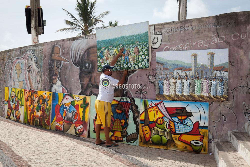Vendedor de quadros em Natal // Art sale at Natal, RN - Brazil 2013.