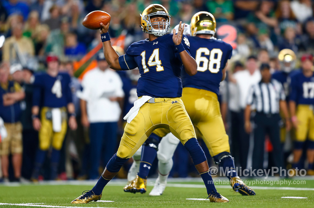 SOUTH BEND, IN - OCTOBER 15: DeShone Kizer #14 of the Notre Dame Fighting Irish is seen during the game against the Stanford Cardinal at Notre Dame Stadium on October 15, 2016 in South Bend, Indiana. Stanford defeated Notre Dame 17-10. (Photo by Michael Hickey/Getty Images) *** Local Caption *** DeShone Kizer