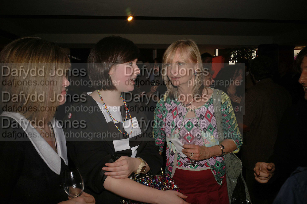 CHRISSIE BLAKE, ROSE BLAKE AND JAN DE VILLENEUVE, Sir Peter Blake and Poppy De Villeneuve host a party with University of the Arts London at the Arts Club, Dover Street, London. 20 APRIL 2006<br />ONE TIME USE ONLY - DO NOT ARCHIVE  © Copyright Photograph by Dafydd Jones 66 Stockwell Park Rd. London SW9 0DA Tel 020 7733 0108 www.dafjones.com