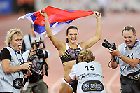 Yelena Isinbayeva (RUS) feiert ihren Weltrekord im Stabhochsprung © Andy Mueller/EQ Images