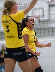 25-10-2014 NED: Prima Donna Kaas Huizen - SV Dynamo Apeldoorn, Huizen<br /> Apeldoorn pakt de drie punten door Huizen met 3-0 te verslaan / Nicole van der Mark