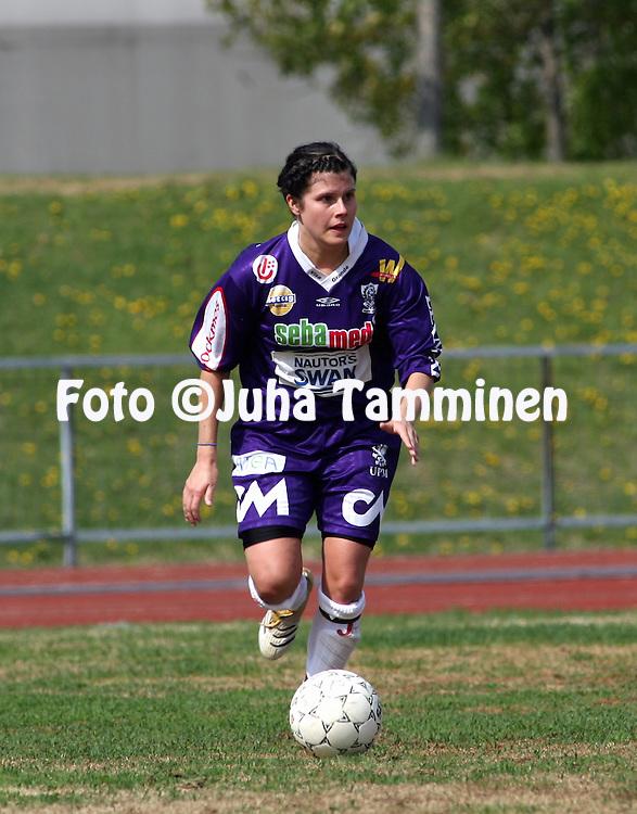 25.05.2006, Kerttula, Raisio, Finland..Naisten SM-sarja 2006.Sporting Club Raisio - FC United Pietarsaari.Irina Vaelma - United.©Juha Tamminen.....ARK:k
