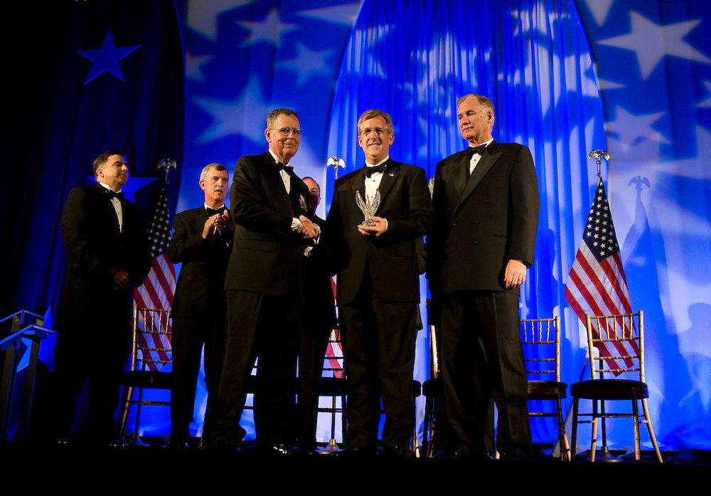 DISTRICT OF COLUMBIA: September 17, 2009 - Blue Star Mother and America's Second Lady Dr. Jill Biden recognizes recipients of the 2009 Secretary of Defense Employer Support Freedom Award. Award recipients include 15 organizations from across the nation who provide exemplary support of their Guard and Reserve employees.  Photo by Jason Brunson