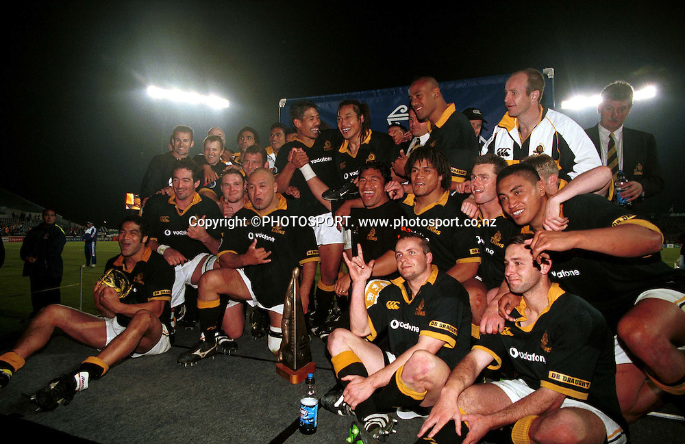 Wellington pose for a team photo after winning the NPC rugby union Final between Wellington and Canterbury, on October 21 2000. Photo: Dean Treml/PHOTOSPORT<br />